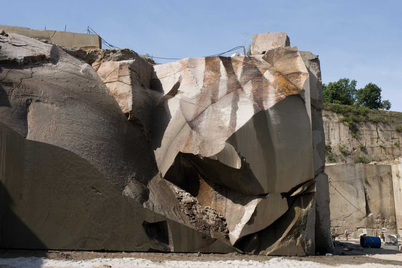 Come pietra naturale, il Peperino è un materiale ideale per la bioedilizia