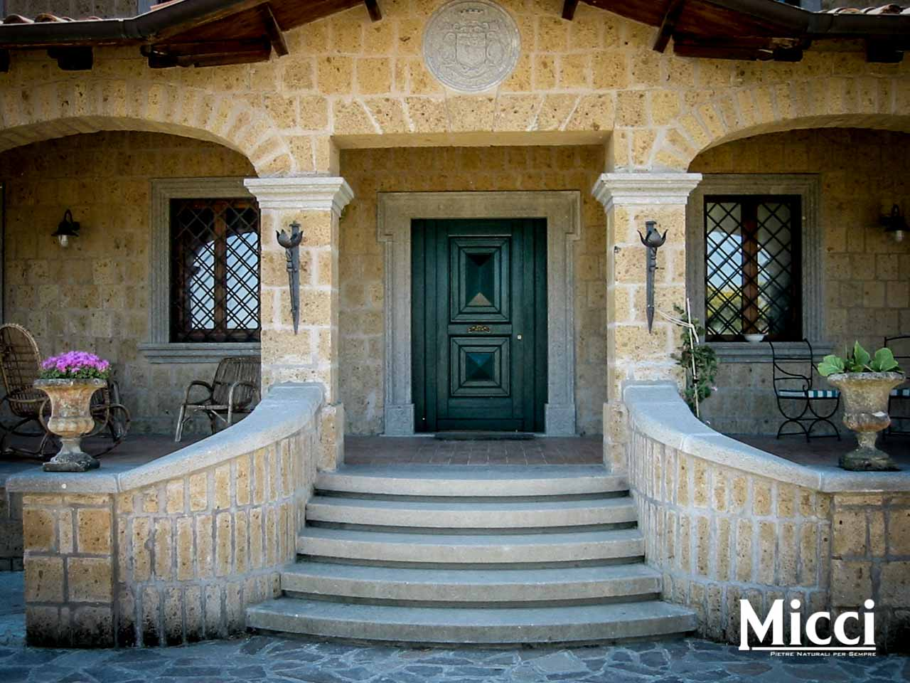 Copertine per muretti esterni in cemento tetto della casa - Elemento a elle piastrelle ...