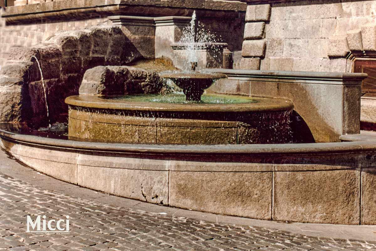 Vasche In Pietra Per Fontane fontane in pietra: tutte le tipologie realizzabili - micci